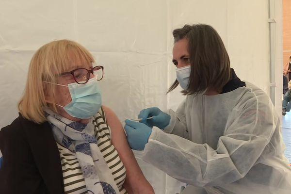 La capacité du centre de Coudoux passe à 2500 vaccinés par jour.