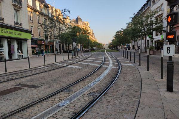Le cours Lenglet sans tram.
