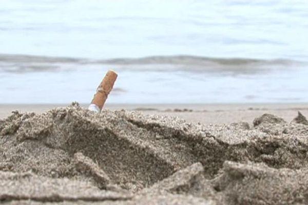 Interdire la plage aux fumeurs : la mairie de Fleury d'Aude a franchi le pas mais seulement sur 200 mètres de son littoral