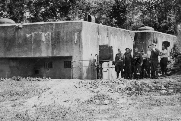 La casemate nord du Huberbusch le 4 juillet 1940, jour de la reddition.