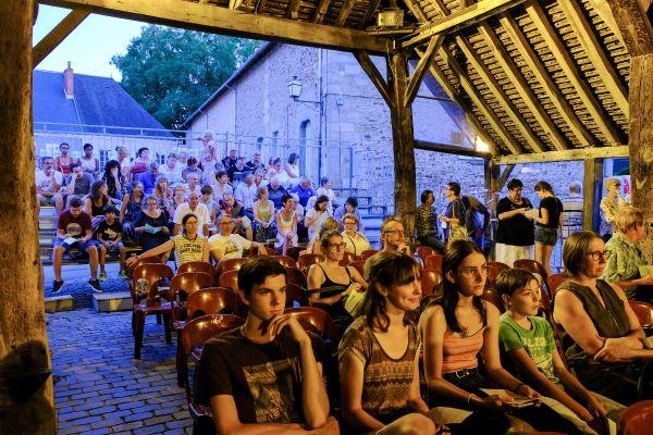 Le public présent à l'édition 2019 des Jours de fête du court métrage d'humour, dans l'Indre.
