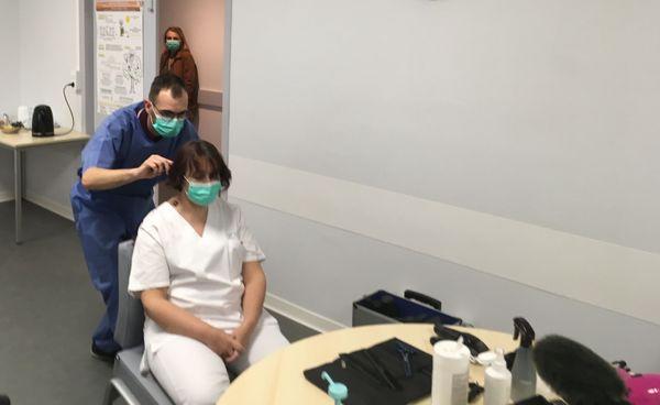 Le personnel soignant de l'hôpital a pu se faire coiffer gratuitement
