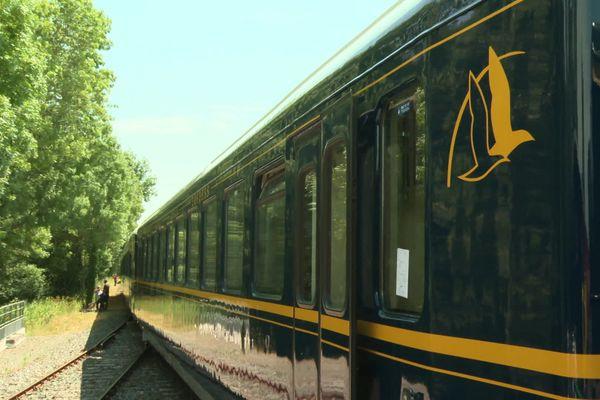 Le Train des Mouettes, qui circule entre Saujon et Chaillevette en Charente-Maritime.