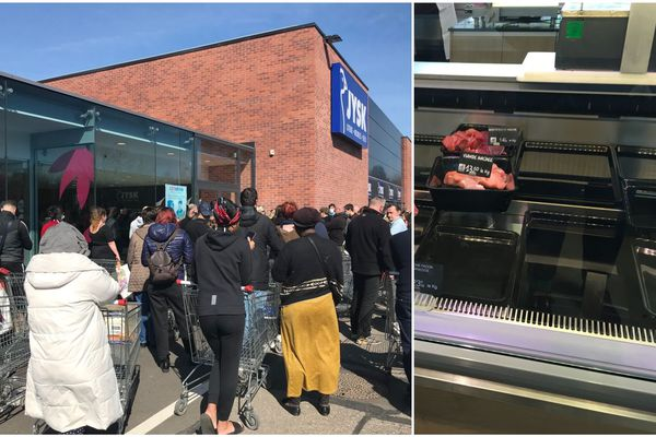 Une centaine de personnes attend devant un Cora à Mulhouse (Haut-Rhin); et il ne reste presque plus rien à la boucherie du magasin bio Serpent vert à Mittelhausbergen (Bas-Rhin).