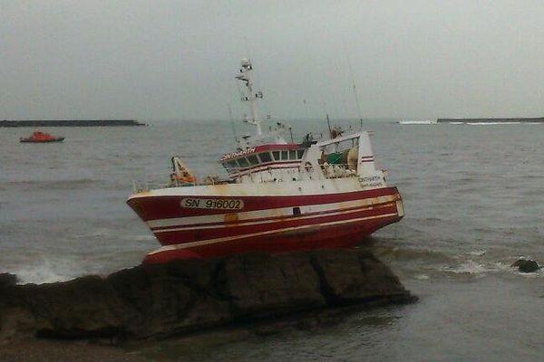 Le chalutier Cintharth s'est échoué à l'entrée du port de Ciboure à Saint-Jean-de-Luz