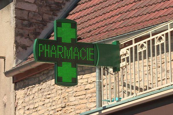 Les pharmacies vendent désormais des tests de dépistages de 11 à 35 euros