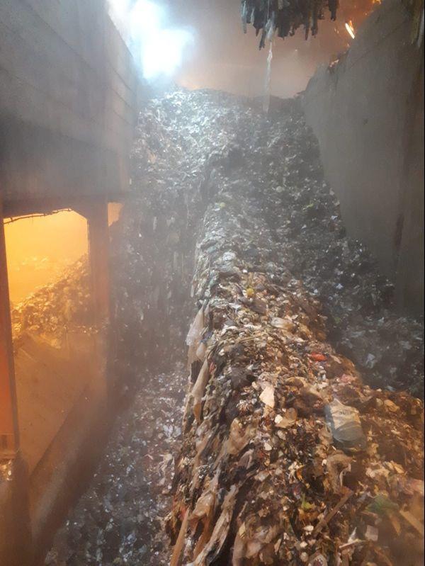 Le feu a pris dans la fosse des déchets au Rohrschollen, peu après minuit le 11 décembre 2020