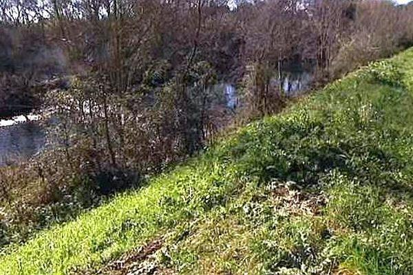 Maurin (Hérault) - la digue de la Mosson va être déplacée et rehaussée - janvier 2016.