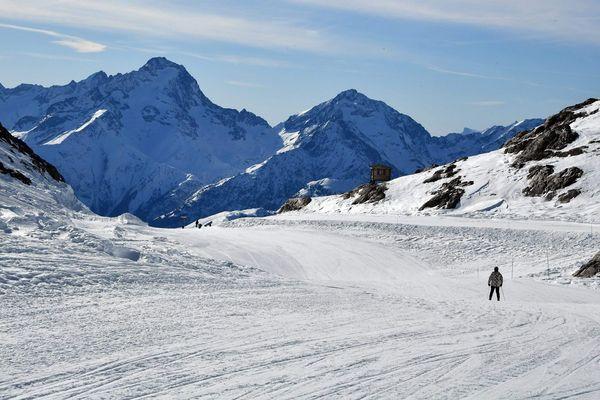 Toutes les stations de ski doivent fermer leur domaine skiable au lendemain de l'allocution d'Édouard Philippe le samedi 14 mars 2020