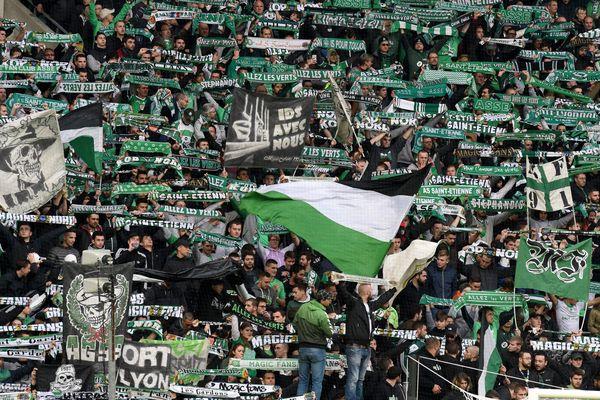 Magic fans 12 ème journée du championnat de football L1 ASSE AS Saint-Etienne contre Angers au stade Geoffroy Guichard