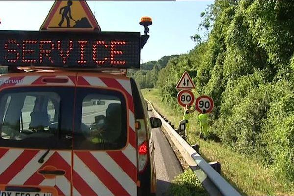 Dimanche 1er juillet au matin : en une heure à peine, les panneaux de limitation de vitesse à 80 km/h ont été dévoilés sur la RN 83, autour de Poligny, dans le Jura.