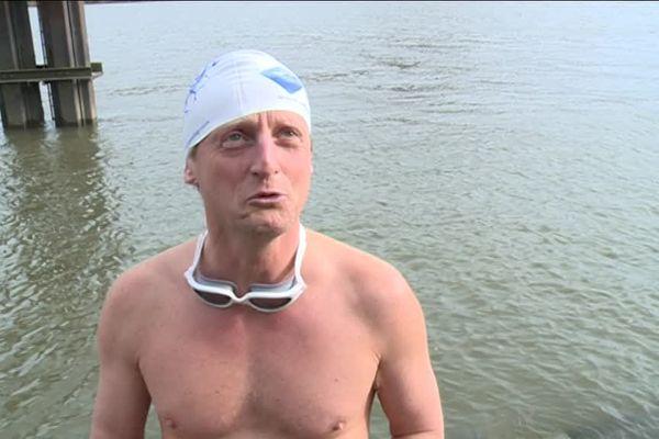 Ice Doctor s'entraîne régulièrement dans les eaux troubles de la Seine