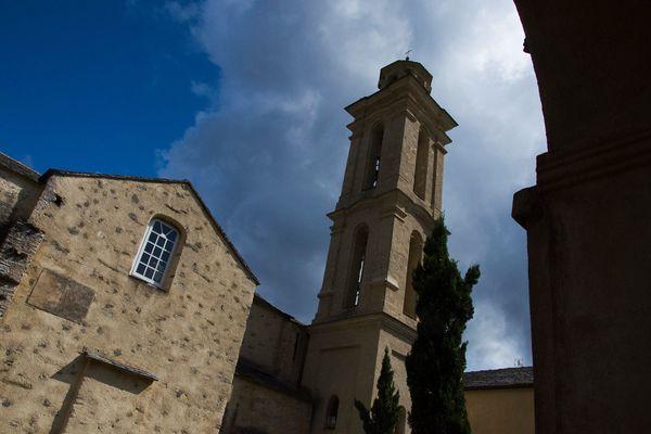 Le couvent d'Alesani accueille les volontaires à la vaccination contre le Covid-19, ce samedi 17 avril.
