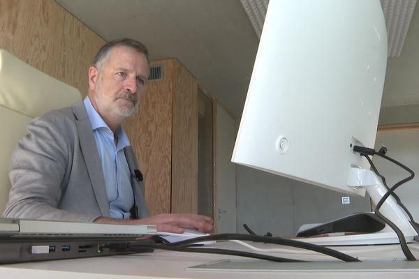 François Amigorena, spécialiste de la sécurité informatique, dirige la société ISDecisions qui travaille avec le FBI et l'armée américaine