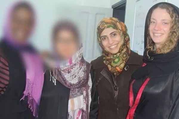 Isabelle Prime, à droite, et son interprète (2ème en partant de la droite) ont été enlevées mardi 24 février 2015 à Sanaa au Yemen