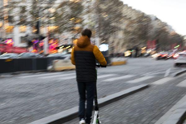 La société Lime, loueur de trottinettes électriques, a enregistré une augmentation de 75% de ses locations à Paris durant la grève.