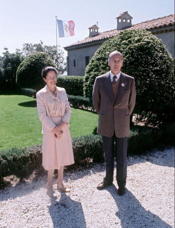 Valéry Giscard d'Estaing à Brégançon en mai 1979 avec sa femme.