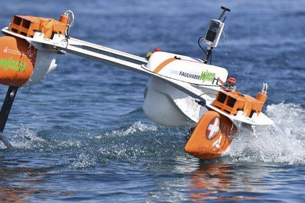 Les petits bateaux qui naviguent cette semaine dans le port de Saint-Tropez pour le défi étudiant HydroContest.