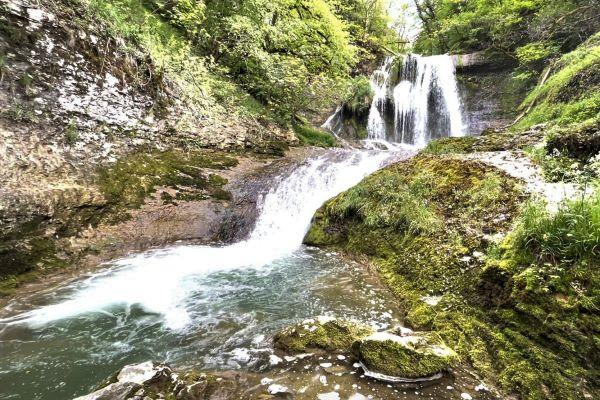 La cascade de l'Audeux est une magnifique cascade située dans le département du Doubs.