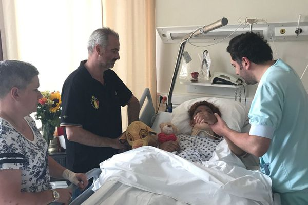 Corine Bastide, une Belge de 45 ans, a été retrouvée vivante, alors qu'elle avait passé 6 jours dans sa voiture accidentée.
