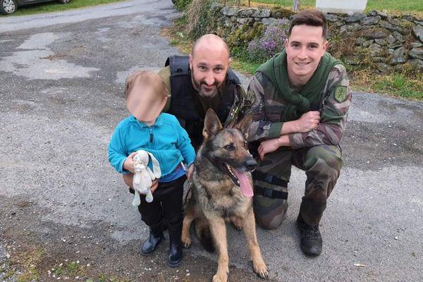 C'est Jedï, la chienne de la compagnie de gendarmerie de Montauban, qui a localisé l'enfant grâce à l'odeur de son doudou.