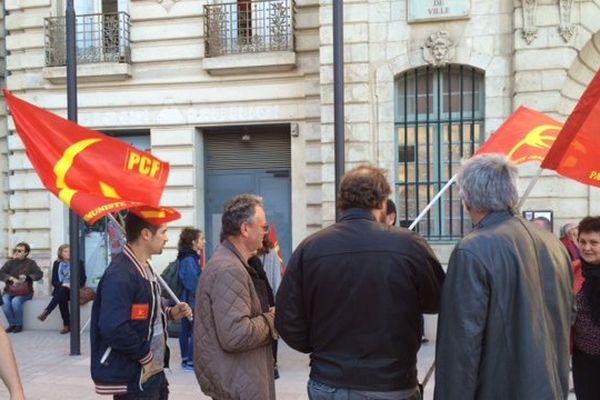 Manifestation contre le referendum devant la mairie de Béziers