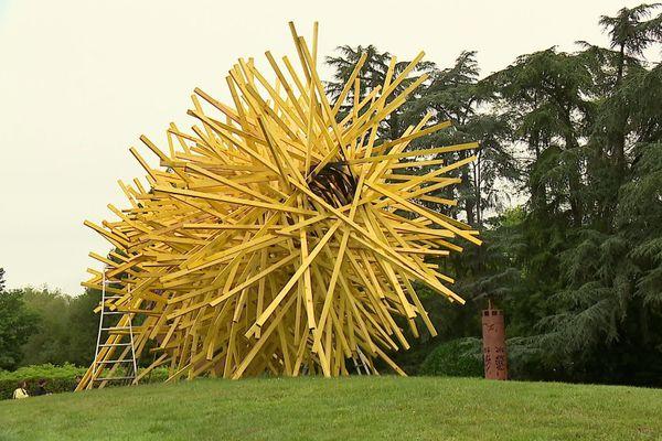 Percée : une oeuvre de Simon Augade s'élance en plein air dans le parc du Moulin d'Ar Milin.