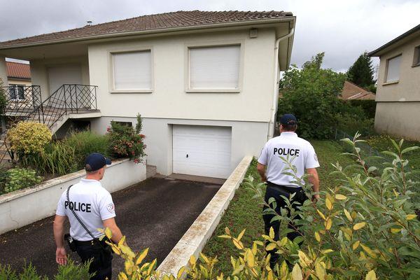 Les gendarmes ou policiers peuvent venir surveiller régulièrement votre domicile dans le cadre de l'opération tranquillité vacances.