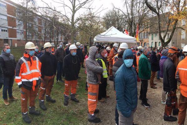Plan de restructuration, chez Aubert et Duval : rassemblement des salariés à Pamiers en Ariège, mercredi 9 décembre