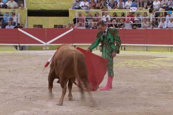 """Au programme de l'émission de rentrée : Juan Bautista et le toro """"Ingenioso"""" de Vegahermosa."""