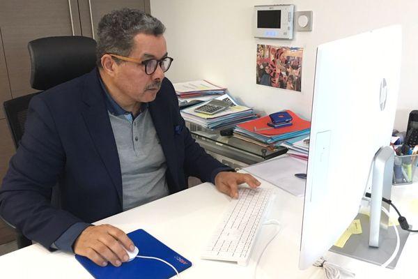 """Ali Mira a déposé la marque """"fiers d'être gilets jaunes"""" à L'INPI - 28 décembre 2018"""