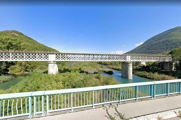 Le pont ferroviaire de la Rivoire.