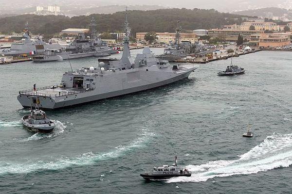 """Toulon (Var) - la frégate """"Languedoc"""" livrée à la marine nationale - 16 mars 2016."""