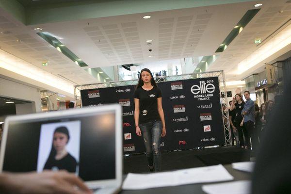 Le défilé Elite Look 2015 à Rouen au Centre Commercial des Docks 76.