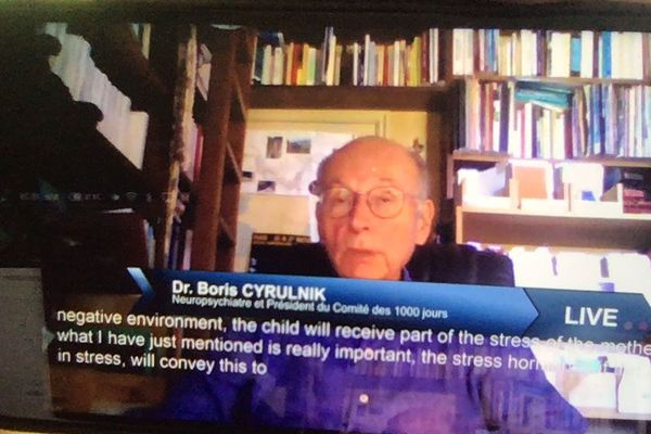 L'intervention de Boris Cyrulnik lors de la conférence virtuelle.