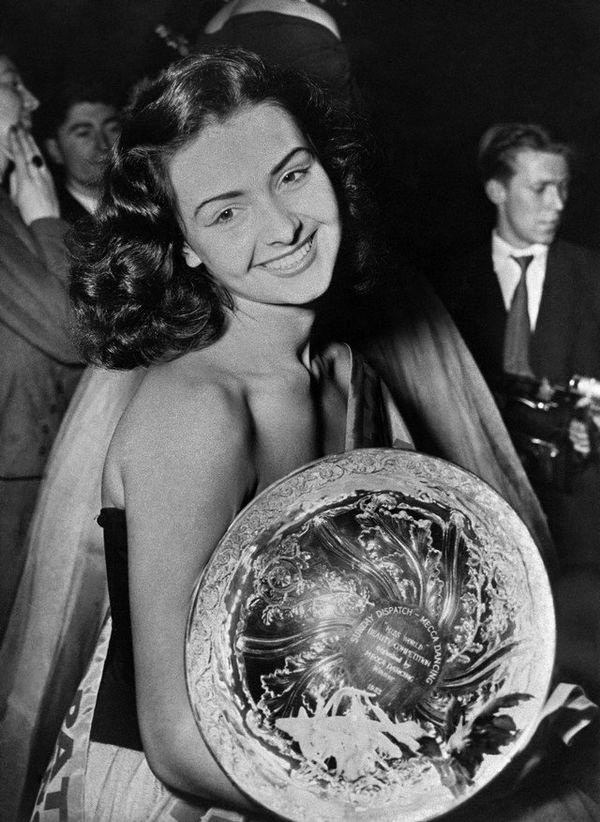 Denise Perrier en 1953