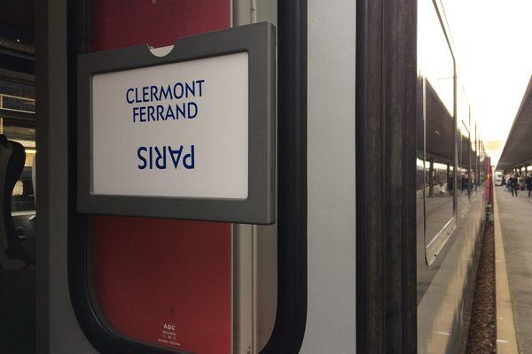 Les utilisateurs de la ligne Clermont-Ferrand - Paris n'auront plus que 4 allers-retours en semaine contre 8 habituellement, à compter de ce lundi 8 mars.