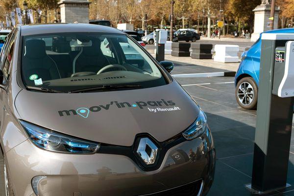 La nouvelle voiture électrique de Renault, proposée à la location en autopartage, sillonne depuis mardi les rues de la capitale.