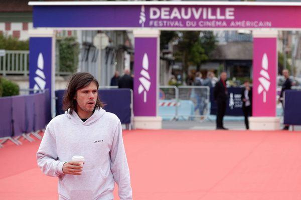 Le cinéma, il est aussi fait pour ça... Sa présence à Deauville va t-elle accélérer les choses ?