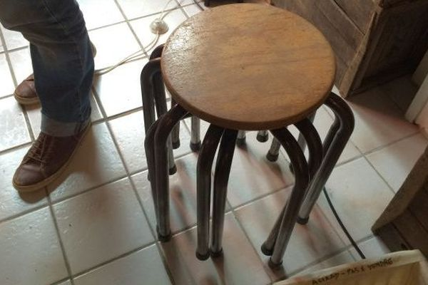 Tabouret à pieds multiples -  Ressourcerie AAA - Orléans - 26  avril 2016