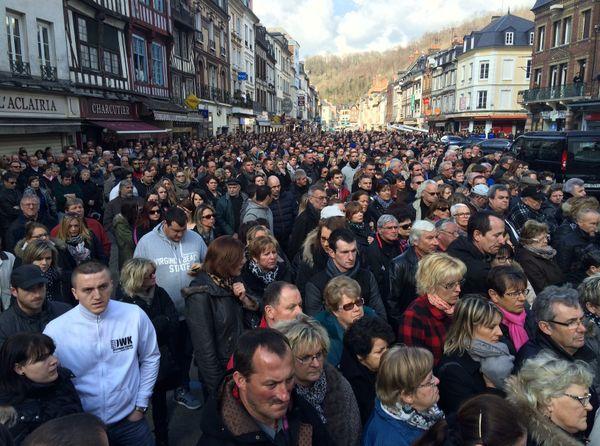 La foule aux obsèques d'Alexis Vastine