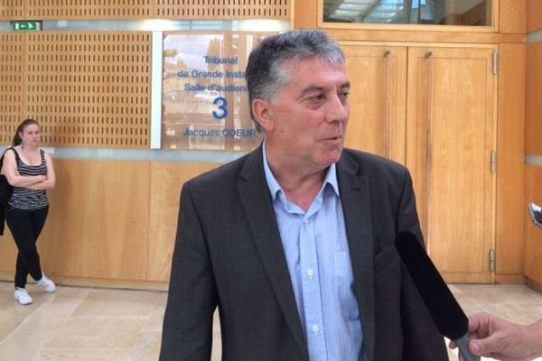 Robert Navarro, sénateur PS de l'Hérault, au palais de justice de Montpellier - 7 juin 2016.
