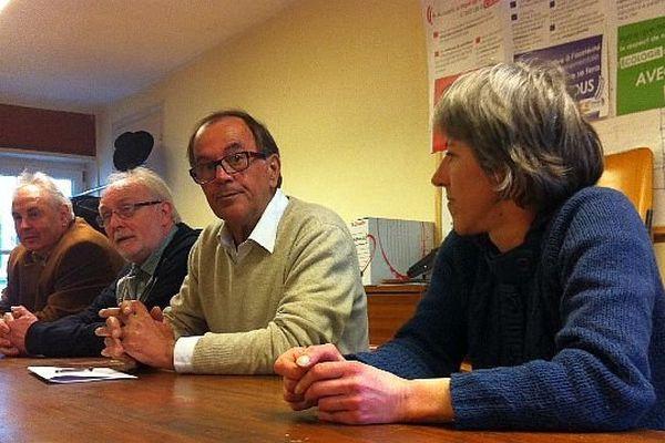 Alain Raymont, tête de liste du Front de Gauche, a annoncé qu'il ne donnait aucune consigne de vote aux électeurs pour le 2e tour des municipales à Auxerre