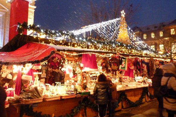 Les coups de feu ont été entendus en plein centre-ville de Montbéliard, où est installé le marché de Noël.