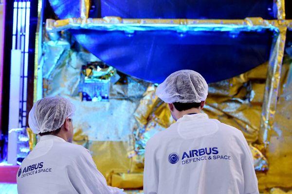 L'ensemble des salariés de la division Defence & Space du groupe Airbus seront testés et vaccinés.