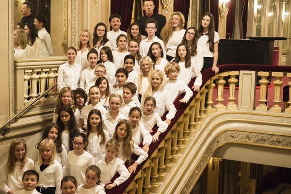 Le Chœur d'enfants de l'Opéra Nice Côte d'Azur est constitué de jeunes garçons et de jeunes filles âgés de 8 à 16 ans. Ils chanteront La Marseillaise à 19h.