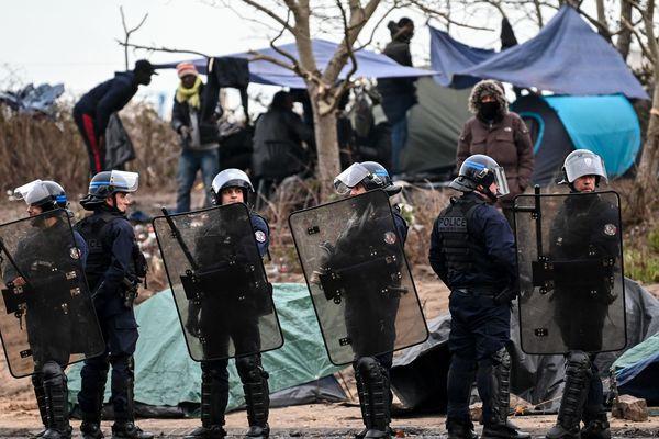 """Image d'illustration - L'ONG Amnesty international dénonce un """"harcèlement"""" des défenseurs de migrants dans le Nord et le Pas-de-Calais"""