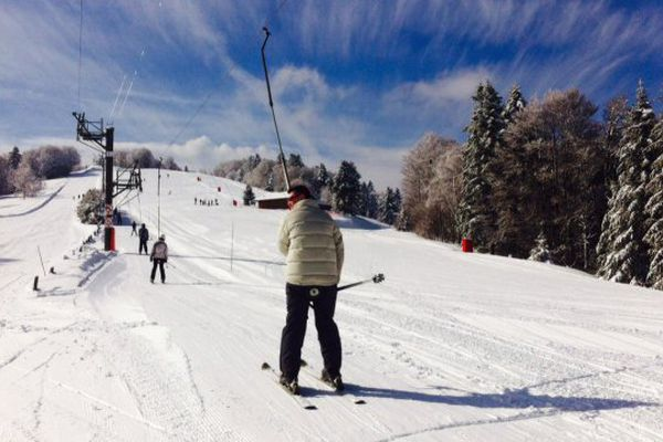 En ce début mars, la neige est de retour sur les pistes du Ballon d'Alsace