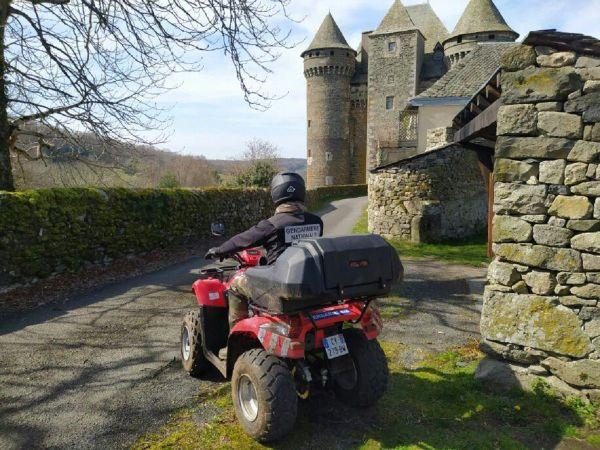 Les gendarmes de Laguiole (12) ont un quad à disposition pour aller dans les zones les plus reculées.