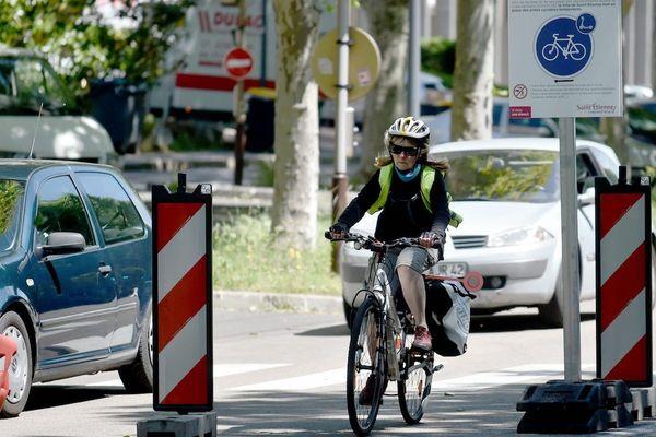 """Au Puy-en-Velay, en matière de déplacement à vélo, """"on part de loin"""", estime l'élue verte Céline Gacon (photo d'illustration)"""